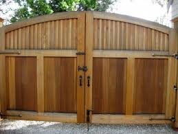Wooden Gate Design Pictures Remodel Decor And Ideas Page 5 Wooden Gates Wooden Gates Driveway Building A Wooden Gate