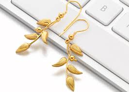 latest gold earrings in pune india