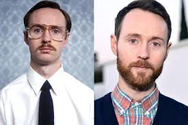 Kip Dynamite / Aaron Ruell who got actual braces for his role in ...
