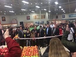 BlackburnNews.com - Largest Foodland Opens In Owen Sound
