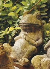 laid back frog statue mirese