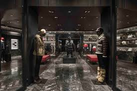 rustic galleria boutiques moncler