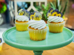 sugared flowers cupcake toppers