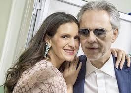 Andrea Bocelli, chi è la moglie giovanissima del tenore: figli e ...