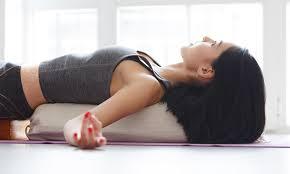 benefits of using yoga bolsters ana