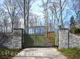 Custom Wood Driveway Gate 14 By Prowell Woodworks Wood Gates Driveway Driveway Gate Backyard Fences