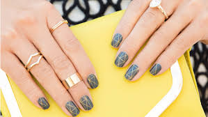 apply nail stickers the right way