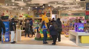 toys r us opens its first new in
