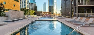 uptown downtown dallas apartments