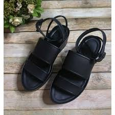 vienna black platform sandals