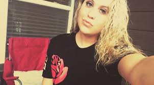 """Hillary Owens ✨ on Twitter: """"Reppin my homie's clothing line. From the West  Coast to the East Coast. I support the real! #RedRoseClothing 🌹🔥💯… """""""