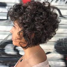 65 Different Versions Of Curly Bob Hairstyle Fryzura Krotkie
