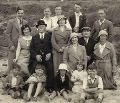 Williamson Family - Background & Chart