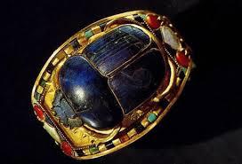 Le culte du scarabée en Égypte ancienne, c'est Dramatic