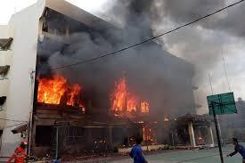 Sejumlah Siswa Melompat dari Ketinggian Saat Kebakaran Landa SMK ...
