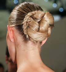 Upiecia Slubne Elle Wedding Trendy Wiosna Lato 2020 Moda