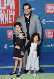 Josh Gad reveals sweet bedtime ritual with his two daughters ...