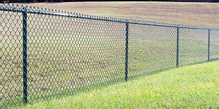 Cost To Install A Fence 2020 Average Prices Inch Calculator Chain Link Fence Installation Chain Link Fence Cost Fence Installation Cost