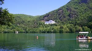 Guida turistica ai laghi di Monticchio: panorama mozzafiato alle ...