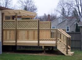 A Wood Deck With A Trellis Pergola Note The Privacy Fence With The Attractive Heavy Duty Lattice On The Top The Priva Outdoor Pergola Pergola Patio Pergola