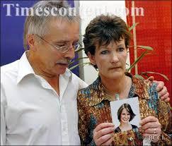 Hillary Foster, News Photo, PARENTAL AGONY: Hillary Foster...