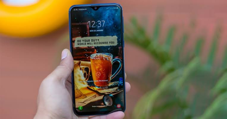 Samsung Galaxy M10 Terlambat Masuk Indonesia, Ini Alasannya