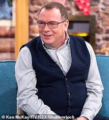 EastEnders fans are shocked as Ian Beale star Adam Woodyatt, 52, shows off  his weight loss - OLTNEWS