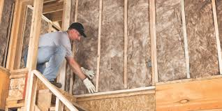 foam insulation vs fiberglass which