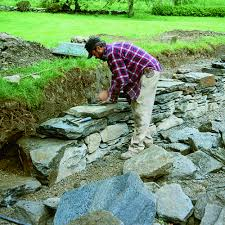 dry stacked stone retaining wall