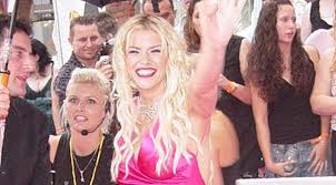 Anna Nicole Smith's Diet And Weird Foods She Used to Eat