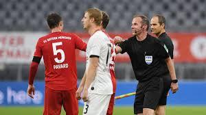 Бавария Айнтрахт - немецкий футболист оформил необычный хет-трик ...