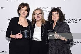 Betsy West, Meredith Vieira, and Julie Cohen pose with an award... News  Photo - Getty Images