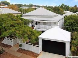 Fence Line Juts In At The Pedestrian Gate Queenslander Carport Designs Australian Homes