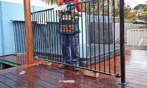 how to install aluminium pool fencing