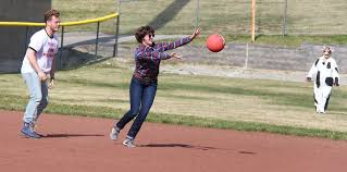 Platte County grads use costume kickball tournament to raise money for  Jaros family — The Platte County Citizen
