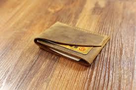 men slim brown leather card holder