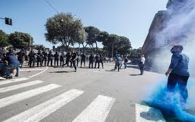 Roma, manifestazione ultras e Forza Nuova al Circo Massimo: due ...