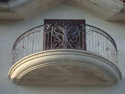 Wrought Iron Balcony Designs Balcony Through Wrought Iron Fence Round Wro Balcony Designs Fence I In 2020 Iron Balcony Wrought Iron Fences Cast Iron Fence