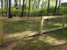 Make A Framed In Fence With Welded Wire Fencing Google Search Farm Fence Dog Fence Fence Landscaping