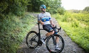 Elia Viviani testa il percorso in linea del Campionato Italiano di Ciclismo  2020 - Bikevisor