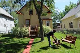 Homeowners are just hanging on – Twin Cities
