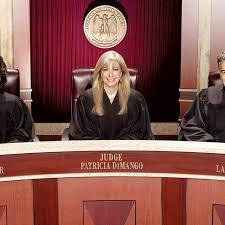 Hot Bench' Is the KFC Double Down of Courtroom TV - The Ringer