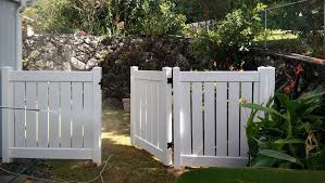 Vinyl Semi Private Half Fence White Vinyl Fence Vinyl Fence Picket Fence Gate