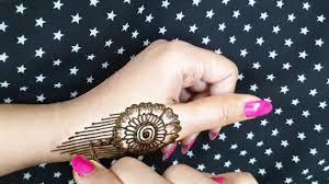 thumb back side mehndi design