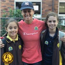 """GeorgeApp on Twitter: """"RT @CathEd_DoW: Students & families from St Therese  West Wollongong were out in force on Friday morning, enjoying  @NatWalkToSchool's #NationalWalkSafelytoSchoolDay! 🚸🚶♂️☀️🎒🚶♀️👟 A  great way to get some exercise &"""