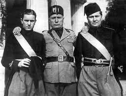File:Mussolini e figli.jpg - Wikipedia