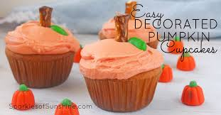 easy pumpkin decorated cupcakes