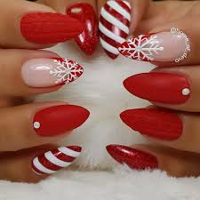 Pin By Wiewiorka On Nails And Toes With Images Czerwone