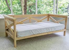how to build a diy daybed for 50