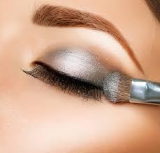 silver eye makeup for blue eyes cat